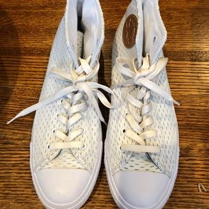 NWT men's size 9 Converse leather high tops